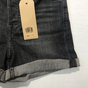 Levi's Shorts - NWT Levi's Wedgie High Rise Shorts
